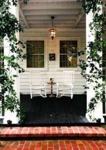 Gemütlich eingerichtete Terrasse